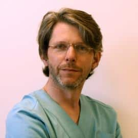 Белоусов Иван Сергеевич - Заведующий центром лазерной флебологии и амбулаторной хирургии